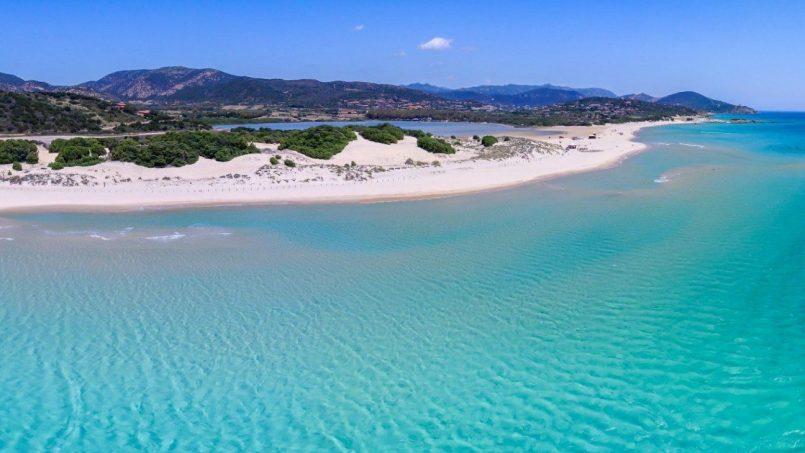 Il mare più bello d'Italia? È la Baia di Chia!